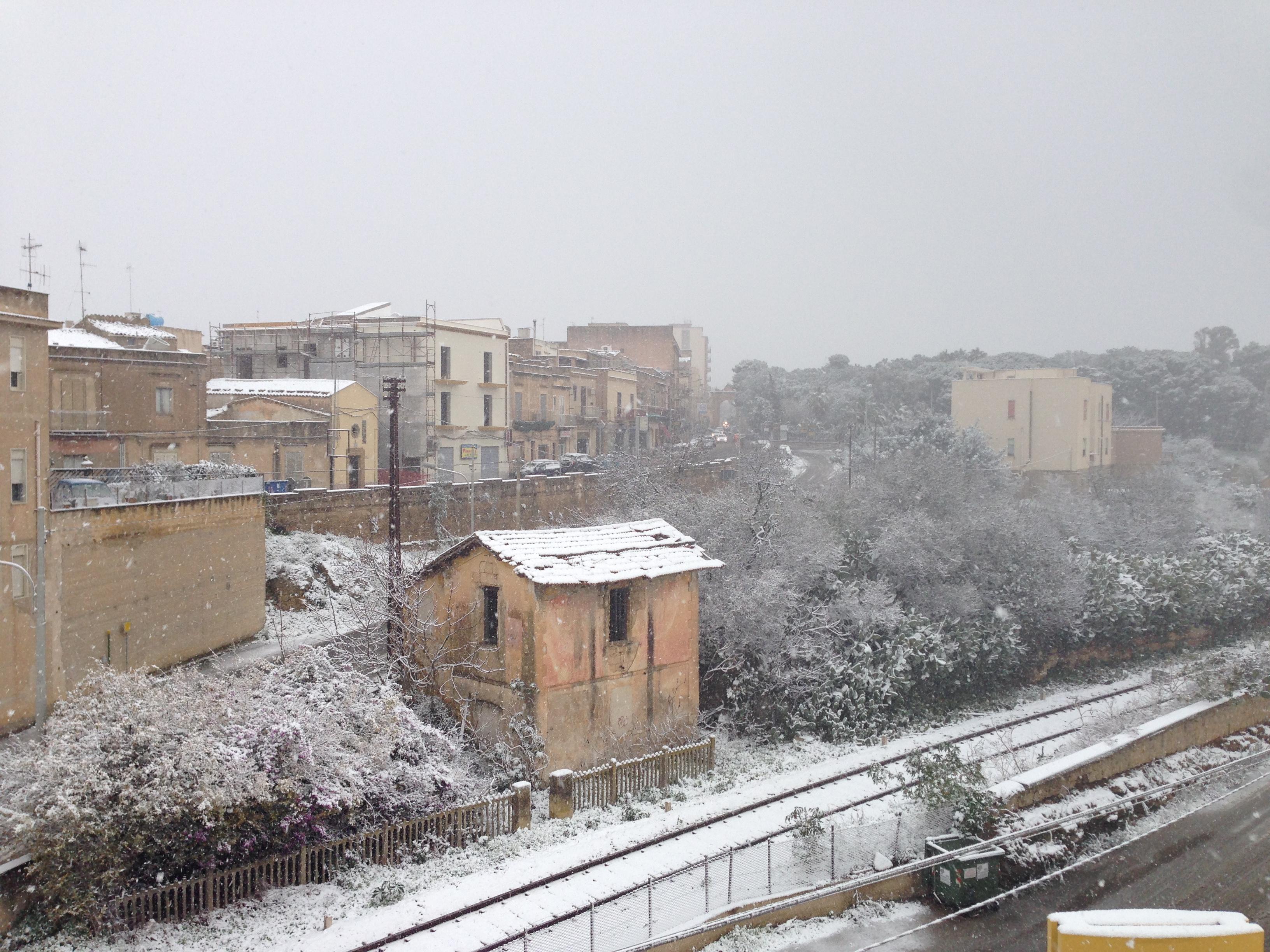 Nella giornata del 4 gennaio dell'Epifania arriverà una pressione di aria fredda che porterà neve anche a bassissime quote.