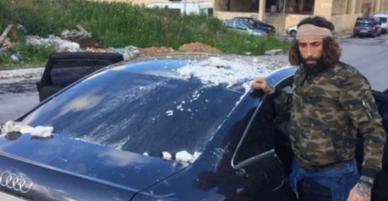 Striscia La Notizia: Brumotti aggredito a Palermo, colpo di pistola alla vettura. L'inviato e la troupe messa in salvo dalle forze dell'ordine in soccorso