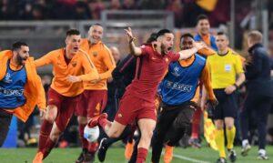 """Liverpool-Roma: il sogno """"Finale"""" passa da Anfield Road. L'editoriale della redazione sportiva di Peoplexpress.it 180 minuti separano la AS Roma dal sogno chiamato """"Finale"""". I giallorossi giocheranno in casa del Liverpool in una sfida affascinante che si giocherà in uno scenario da Coppa dei Campioni."""