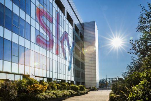 Sky e Perform saranno i partner televisivi della prossima Serie A di calcio per il triennio, 2018/19, 2019/20 e 2020/21. La decisione della Lega Calcio Serie A dopo la sentenza del Tribunale di Milano che ha annullato l'assegnazione dei diritti a favore di Mediapro.