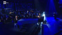Primo ospite della terza serata del Festival di Sanremo, Antonello Venditti