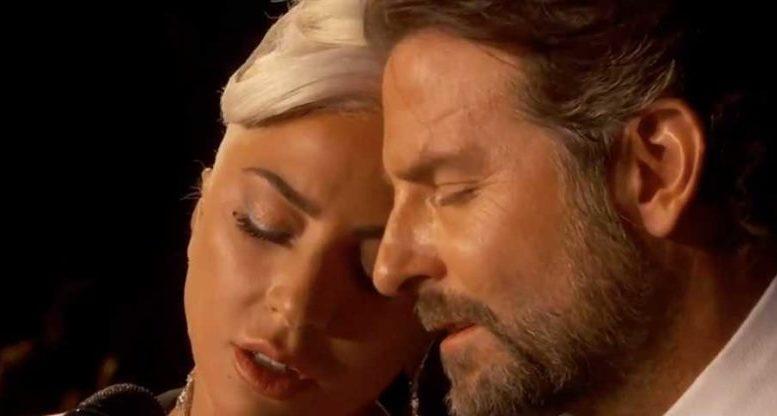 """Lady Gaga protagonista nella notte degli oscar 2019. Il suo brano """"Shallow"""" ha fatto impazzire tutti."""