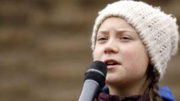 Greta Thunberg ha ricevuto la candidatura per il prossimo Nobel per la Pace. La 16enne svedese si è detta onorata della candidatura