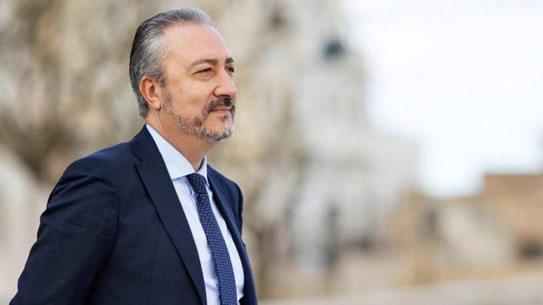 Mafia & Politica: arrestato Paolo Ruggirello, trema tutta la politica trapanese. Il blitz dei Carabinieri ha portato l'arresto di 26 persone
