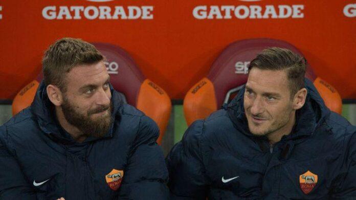 Totti si riprende in mano la sua Roma. Clamorosa voce delle ultime ore: Daniele De Rossi potrebbe essere il nuovo tecnico giallorosso.
