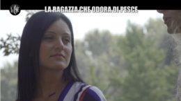Le Iene: Erica e la sindrome TMAU da puzza di pesce marcio in un servizio di Nina Palmieri nel corso della puntata di ieri sera