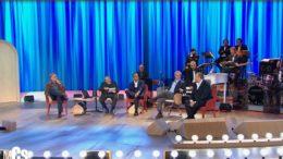 """Maurizio Costanzo Show 2019: i tre """"Tenori"""" e Mentana ospiti nella terza puntata, remake del celebre appuntamento del lontano 1998"""