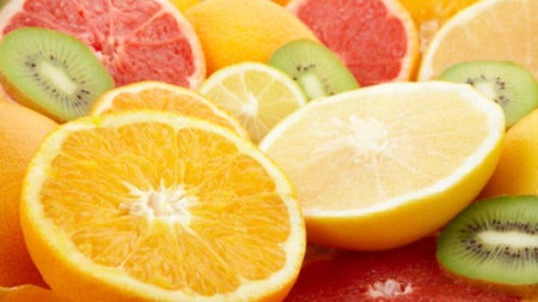 vitamina C contro Covid-19 e coronavirus