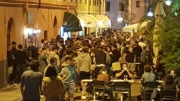 possibili stop alla movida per via degli assembramenti notturni nell'ultimo weekend