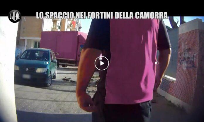Indagando con una telecamera nascosta, attraverso un complice, Pelazza a Le Iene racconta come avviene lo spaccio di droga nel rione Traiano di Napoli. Durante la ripresa della telecamera, la iena si accorge che ad assumere cocaina sia un autista di una nota ditta di trasporti