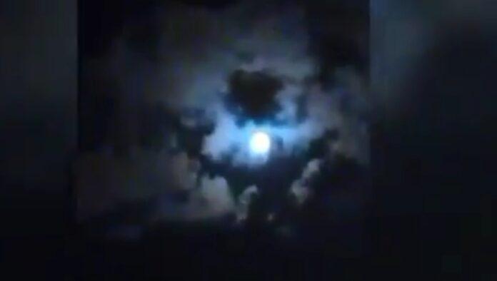 Il video choc con l'immagine di Maradona nel cielo di Paranà