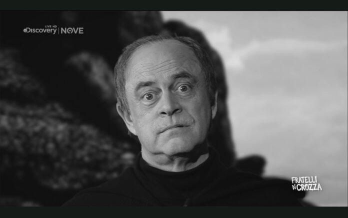 Crozza imita Crisanti nel corso della puntata di Fratelli di Crozza di venerdì 11 dicembre