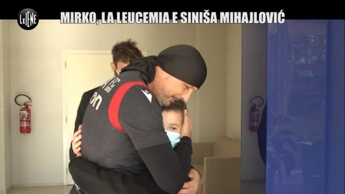 Commovente servizio a Le Iene, l'incontro del piccolo Mirko e Sinisa Mihajlovic, entrambi hanno sconfitto la leucemia VIDEO